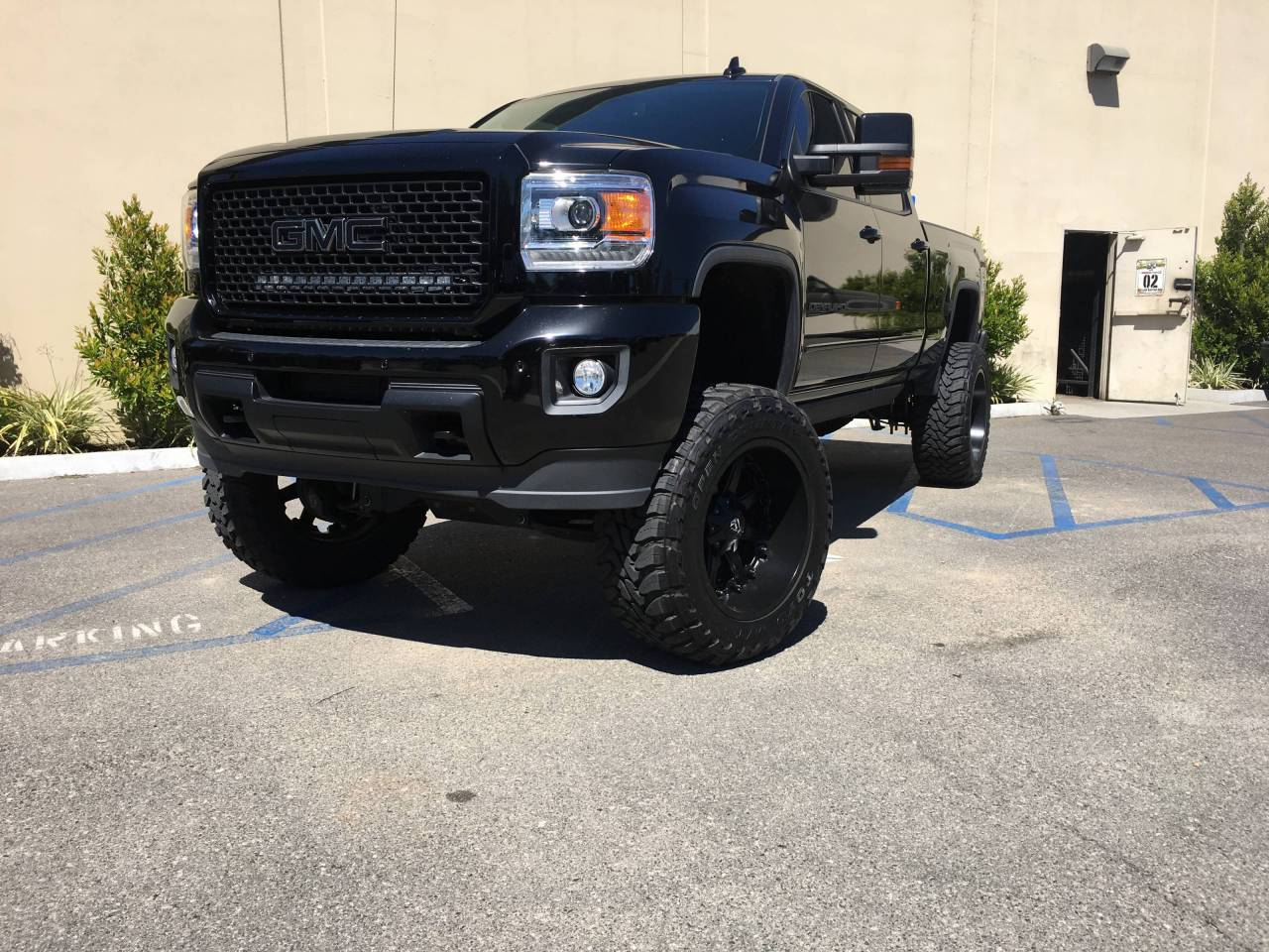 Photo Gallery - Black GMC Denali 2500