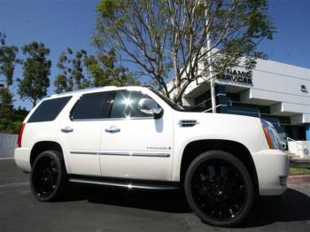 CADILLAC ESCALADE Cover